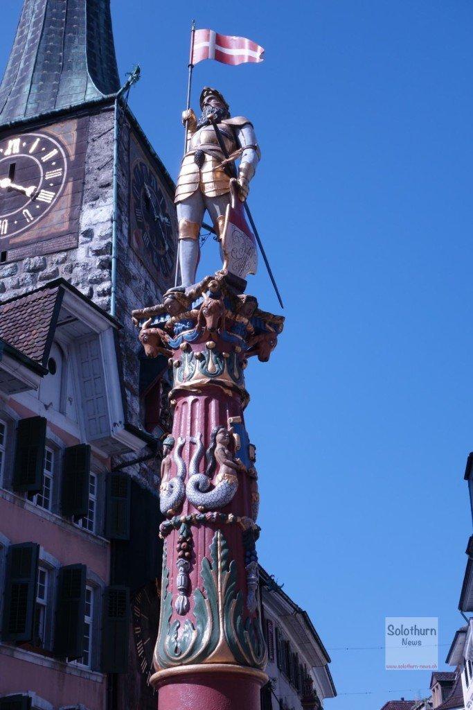 Solothurn Brunnen - Fischbrunnen : St. Ursen-Brunnen