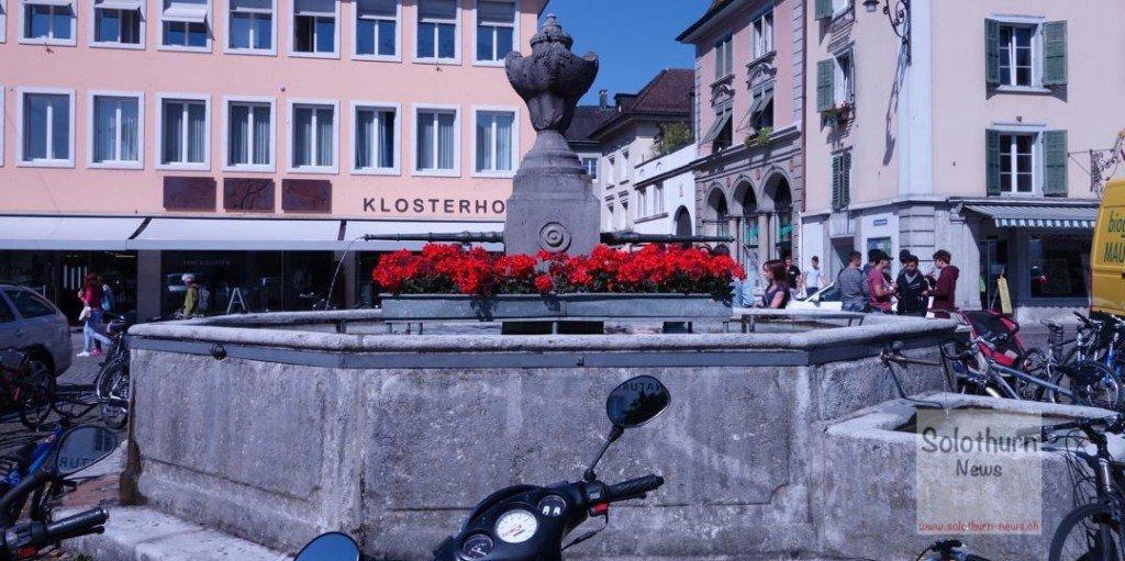 Solothurn Brunnen - Klosterplatz-Brunnen