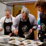 Bei der Zubereitung hilft auch der Boris fleissig mit - Bildquelle Martin Rechsteiner